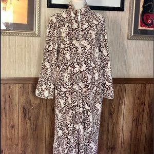 Oscar De La Renta plush robe size Small Petite